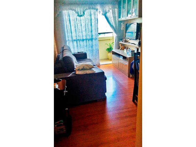 Sacomã, Apartamento Padrão - Sala com piso de laminado, teto com moldura de gesso, iluminação embutida e acesso a varanda.