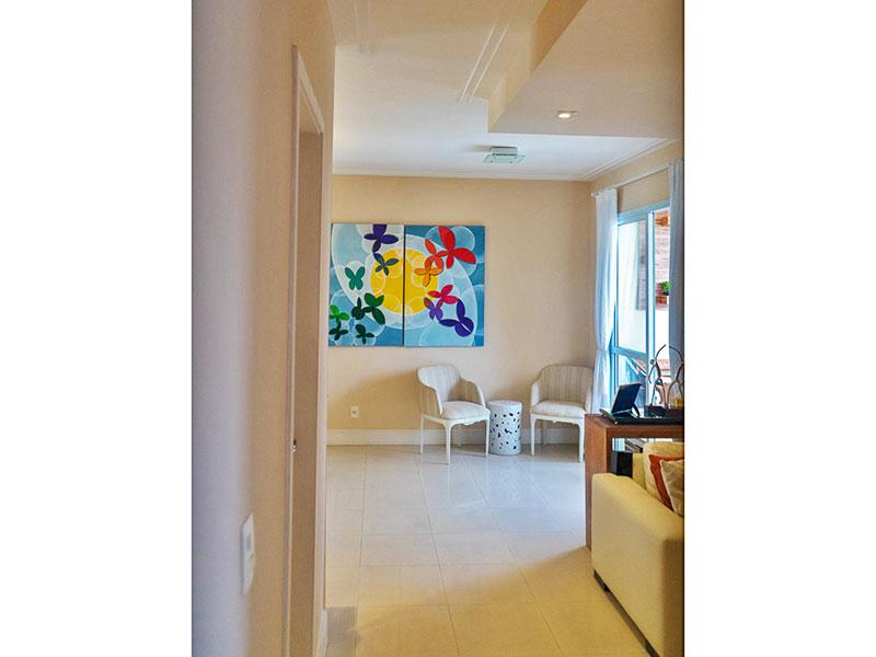 Ipiranga, Apartamento Padrão-Sala em L ampliada (com o 3º quarto), com piso de porcelanato, teto com moldura de gesso, iluminação embutida e acesso a varanda.