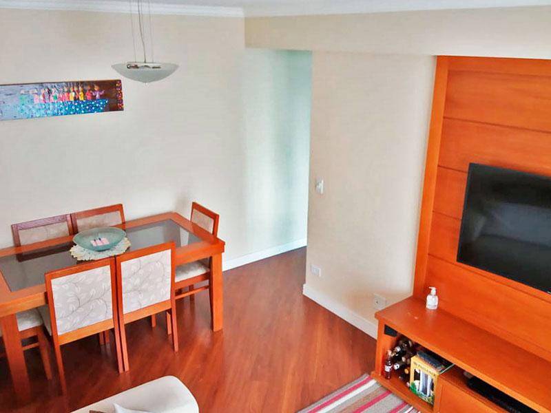 Sacomã, Apartamento Padrão-Sala com piso de laminado, teto com sanca de gesso e acesso a varanda.