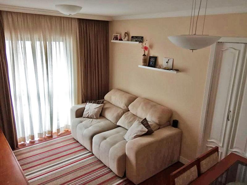 Sacomã, Apartamento Padrão - Sala com piso de laminado, teto com sanca de gesso e acesso a varanda.