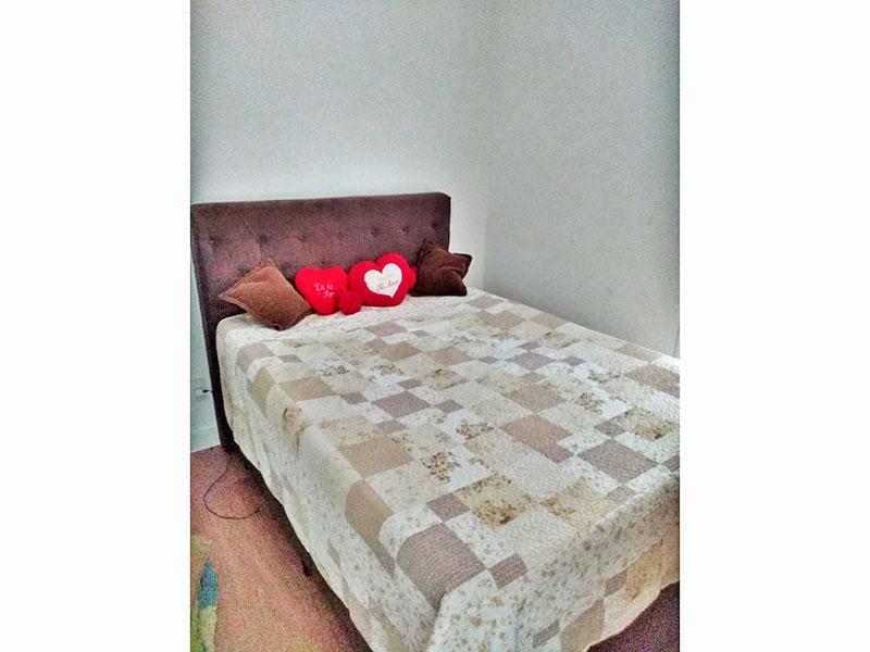 Jabaquara, Apartamento Garden-Suíte com piso de laminado, armários planejados e acesso a varanda.