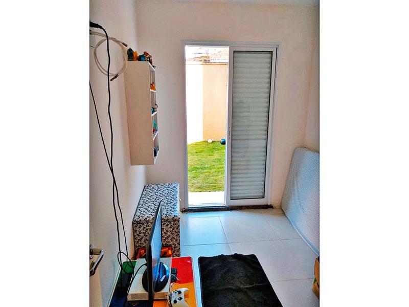 Jabaquara, Apartamento Garden-2º Quarto com piso de cerâmica e acesso a varanda.