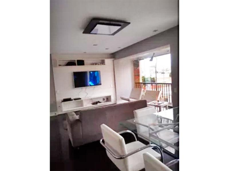 Ipiranga, Apartamento Padrão - Sala com piso de cerâmica, teto com sanca, iluminação embutida e acesso a varanda.