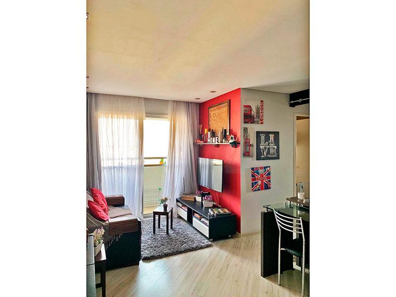 Sacomã, Apartamento Padrão-Sala em L com piso de laminado, teto com sanca, iluminação embutida e acesso a varanda.
