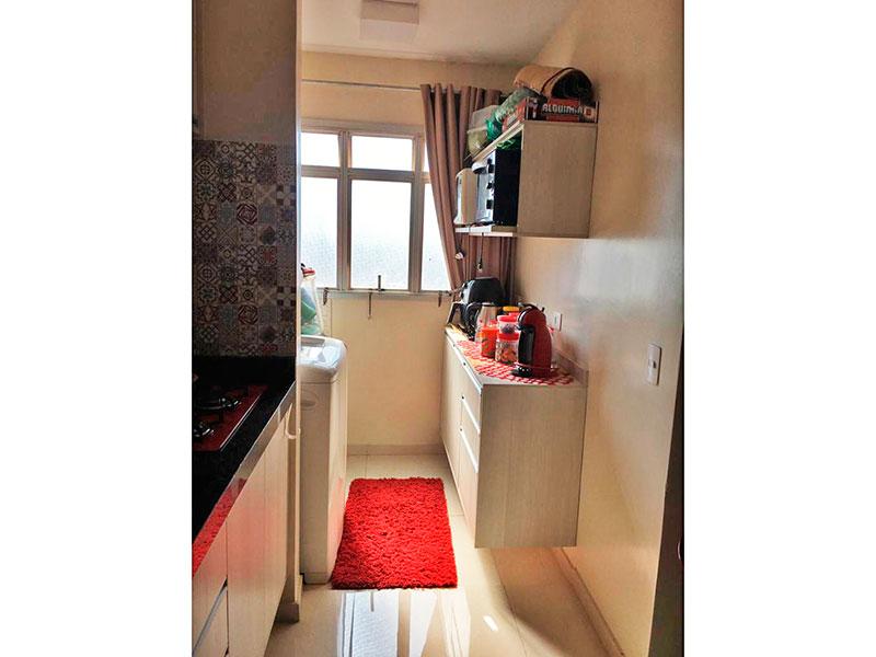 Jabaquara, Apartamento Padrão-Área de serviço com piso de porcelanato e armários planejados.