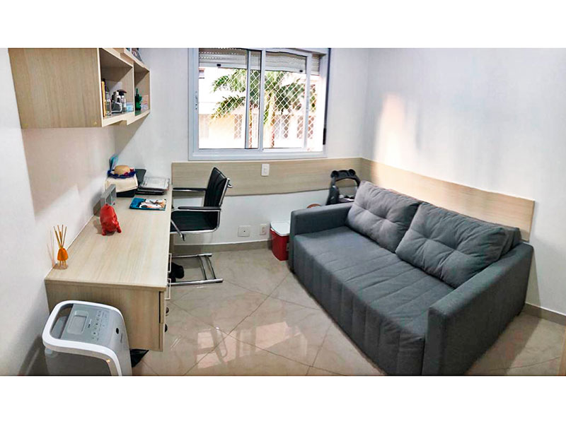 Ipiranga, Apartamento Padrão-3º Quarto com piso de porcelanato, teto com moldura de gesso e armários planejados.