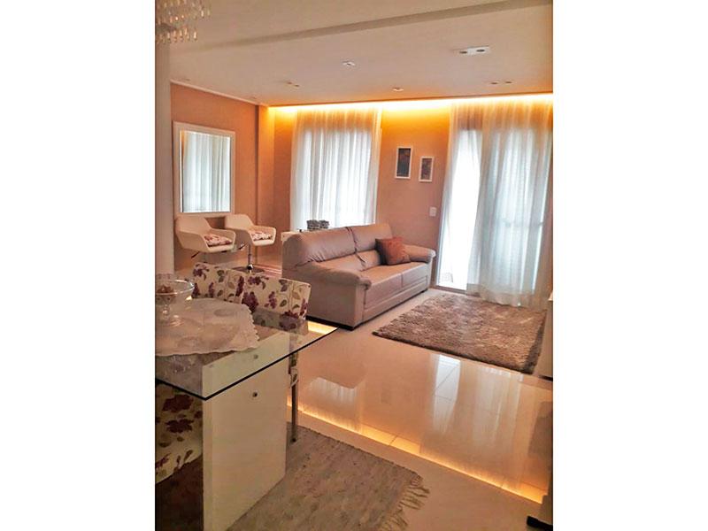 Ipiranga, Apartamento Padrão - Sala com piso de porcelanato, teto com sanca, iluminação embutida e acesso a varanda gourmet.