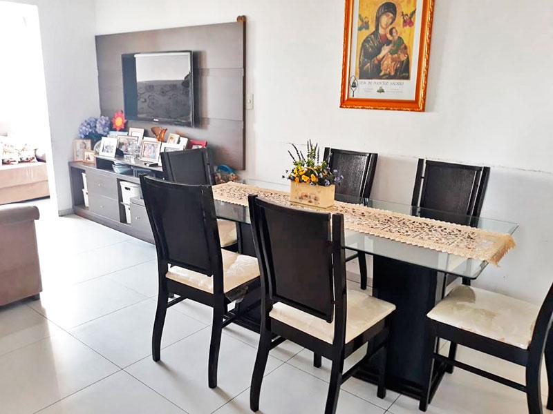 Jabaquara, Apartamento Padrão-Sala integrada com a varanda, com piso de cerâmica.