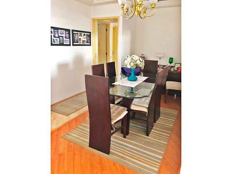 Ipiranga, Apartamento Padrão-Sala com piso de laminado, teto com sanca de gesso e acesso a varanda.