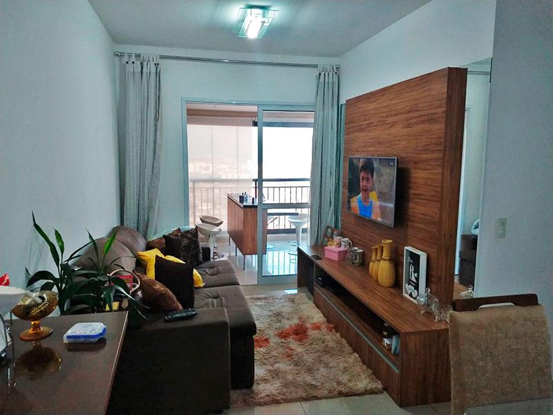 Sacomã, Apartamento Padrão-Sala com piso de porcelanato e acesso a varanda gourmet.