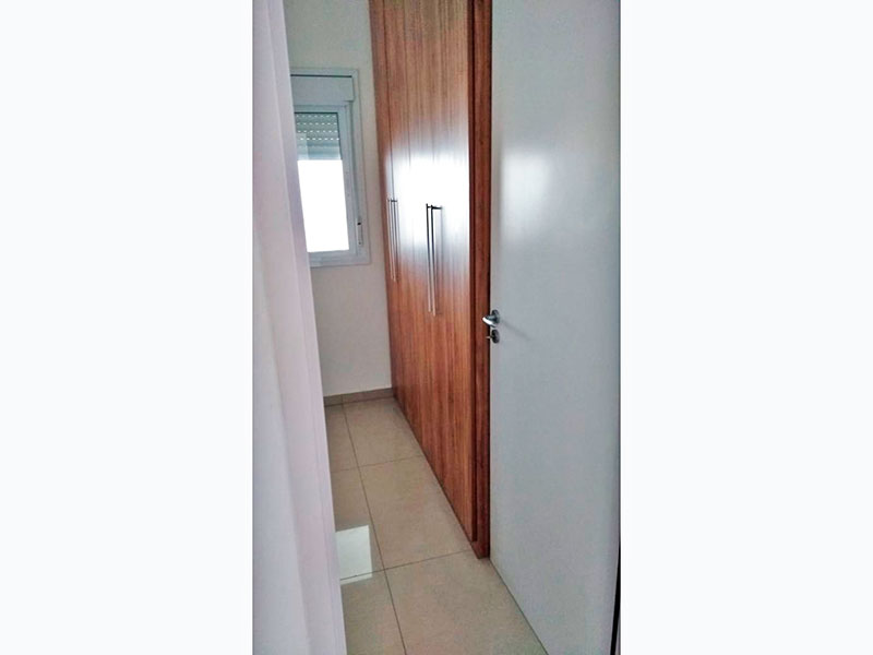 Sacomã, Apartamento Padrão-2º Quarto com piso de porcelanato e armários planejados.