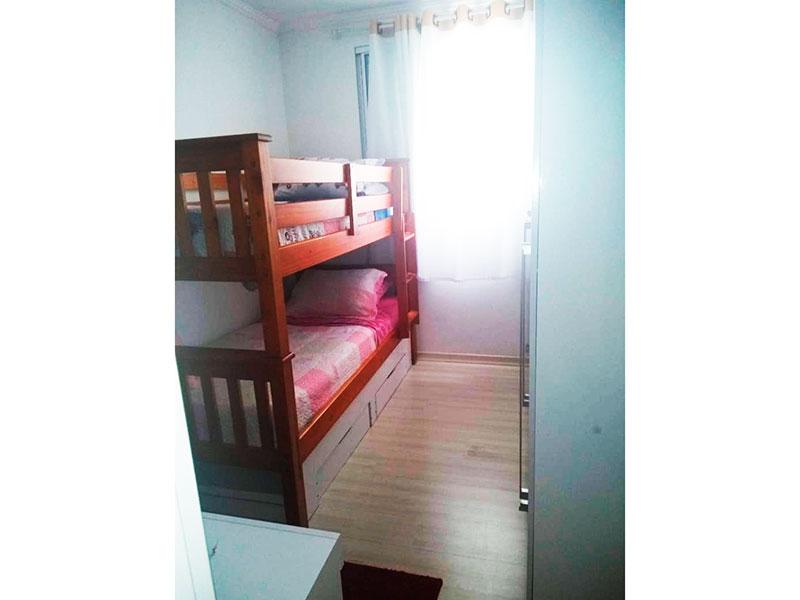 Sacomã, Apartamento Padrão-2º Quarto com piso laminado, teto com moldura de gesso e armários planejados.