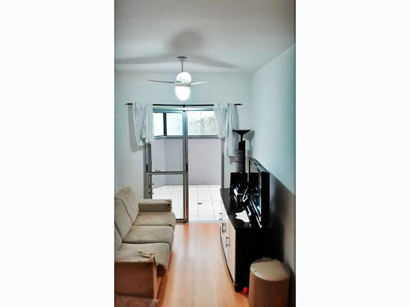 Sacomã, Apartamento Garden - Sala com piso laminado e acesso a varanda.