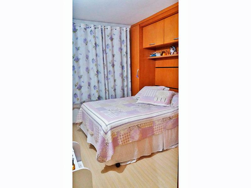 Sacomã, Apartamento Padrão-1º Quarto com piso laminado, teto com moldura de geso e armários planejados.