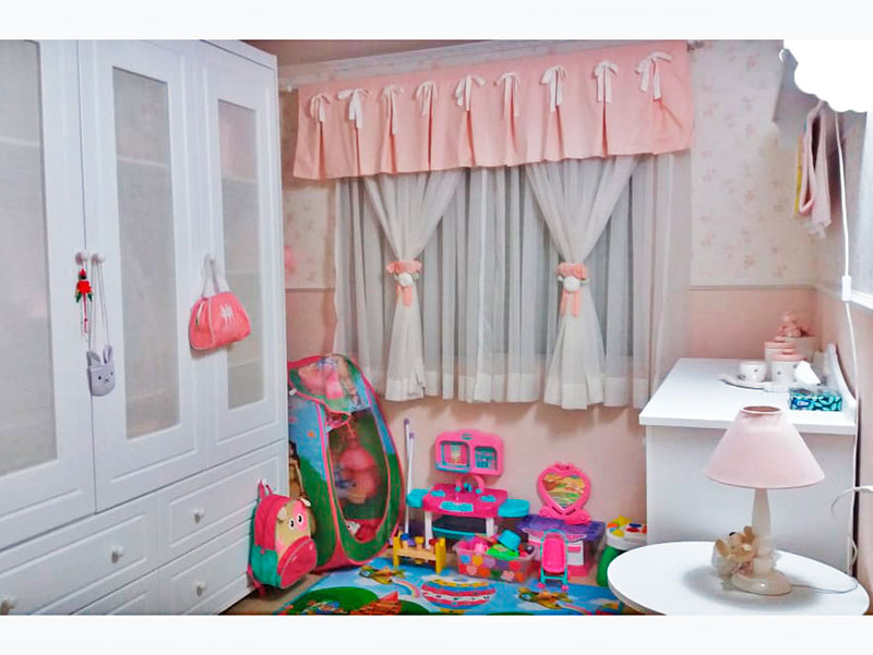 Sacomã, Apartamento Padrão-2º Quarto com piso laminado e teto com moldura de gesso.