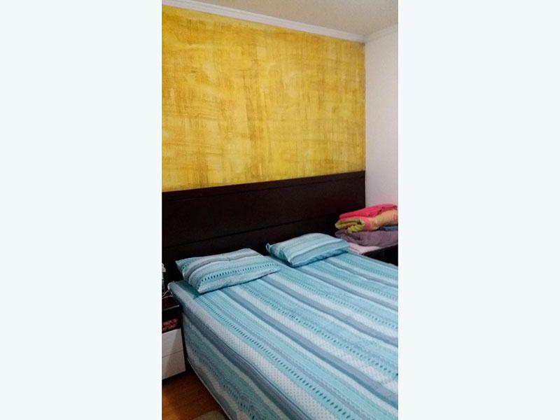 Sacomã, Apartamento Padrão-1º Quarto com piso laminado e teto com moldura de gesso.