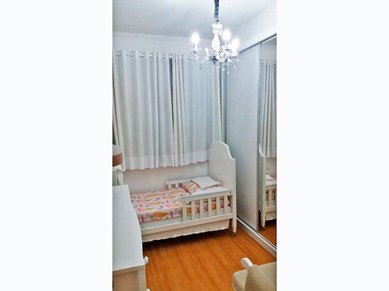 Sacomã, Apartamento Padrão-2º Quarto com piso laminado, teto com moldura de gesso e armários embutidos.