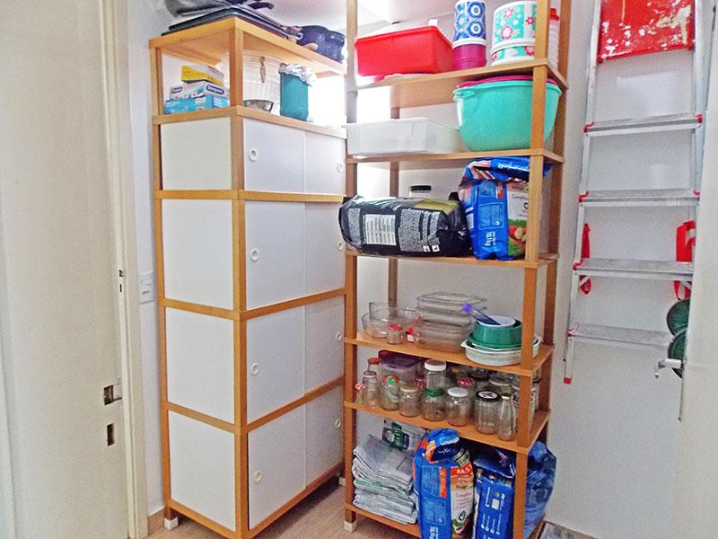 Sacomã, Apartamento Padrão-Dependência de empregada com piso laminado.