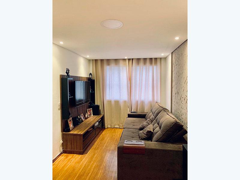 Sacomã, Apartamento Padrão-Sala com piso laminado, teto com sanca e iluminação embutida.