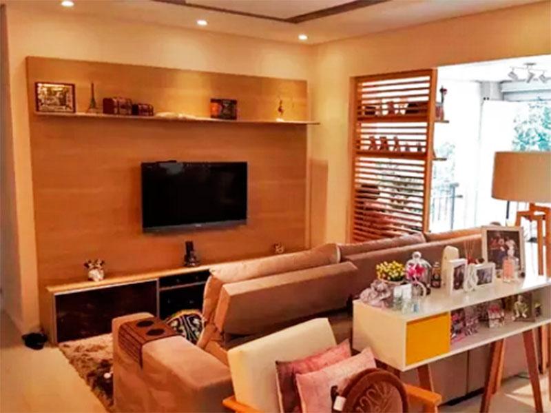 Sacomã, Apartamento Padrão - Sala integrada com a varanda gourmet, com piso de porcelanato, teto com sanca e iluminação embutida.
