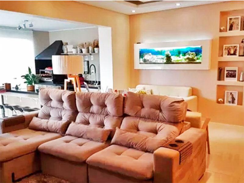 Sacomã, Apartamento Padrão-Sala integrada com a varanda gourmet, com piso de porcelanato, teto com sanca e iluminação embutida.