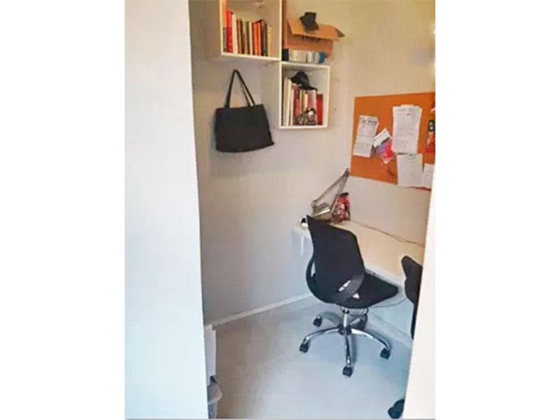 Jabaquara, Apartamento Padrão-Banheiro da área de serviço transformado em escritório.