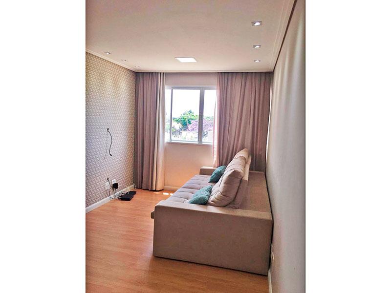 Sacomã, Apartamento Padrão - Sala em L com piso laminado, teto com sanca e iluminação embutida.