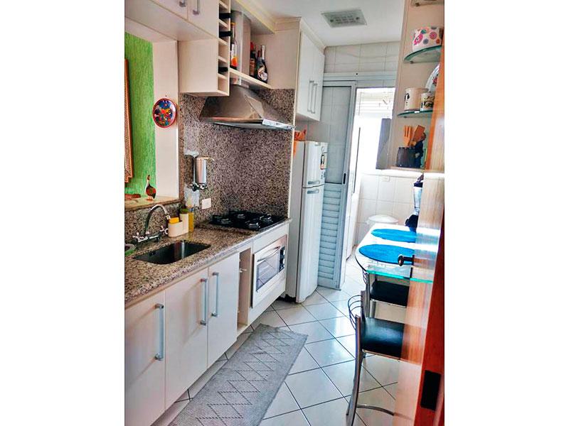 Ipiranga, Apartamento Padrão-Cozinha americana com piso de cerâmica, teto com moldura de gesso, armários planejados, gabinete, cooktop, pia de granito e acesso a área de serviço.