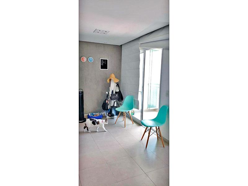 Sacomã, Apartamento Padrão-Sala ampliada (com o 3º quarto), com piso de cerâmica, teto com sanca, iluminação embutida e acesso a varanda.