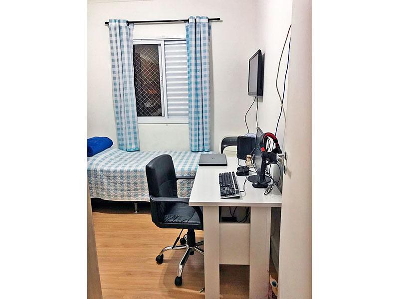 Ipiranga, Apartamento Padrão-3º Quarto com piso laminado e teto com moldura de gesso.