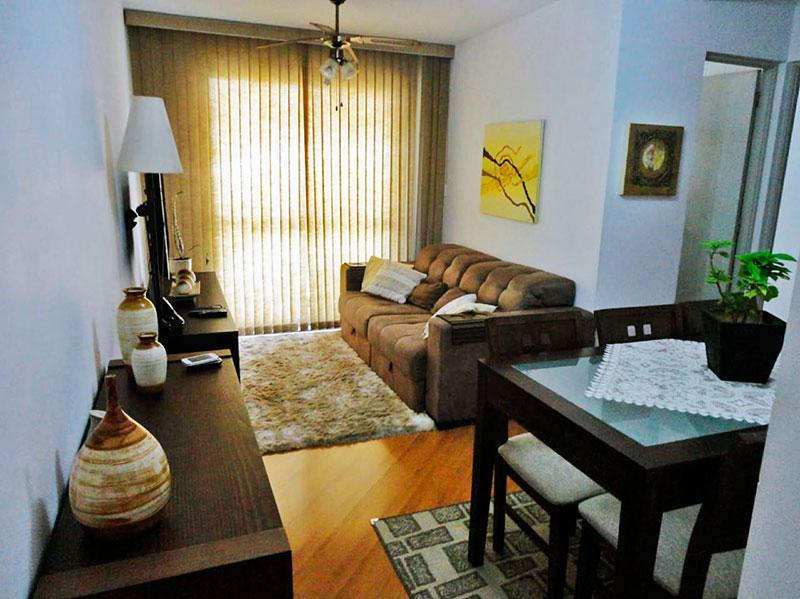 Sacomã, Apartamento Padrão - Sala em com piso laminado e acesso a varanda.