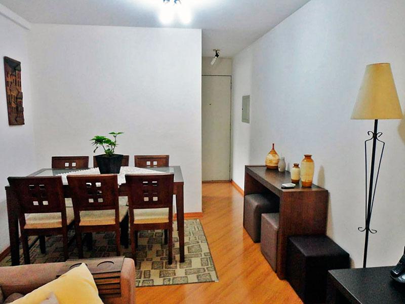 Sacomã, Apartamento Padrão-Sala em com piso laminado e acesso a varanda.