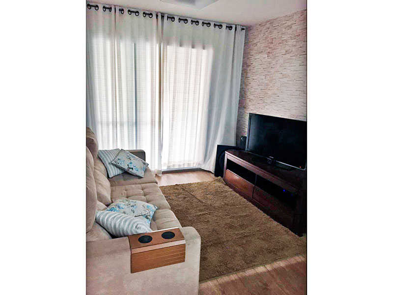 Jabaquara, Apartamento Padrão-Sala com piso laminado e acesso a varanda gourmet.
