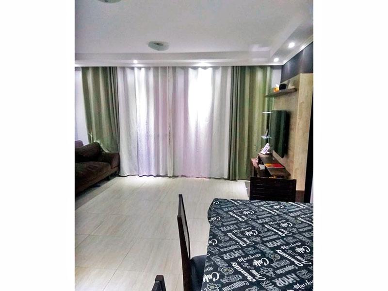Sacomã, Apartamento Padrão-Sala com piso de cerâmica, teto com sanca de gesso, iluminação embutida e acesso a varanda gourmet.