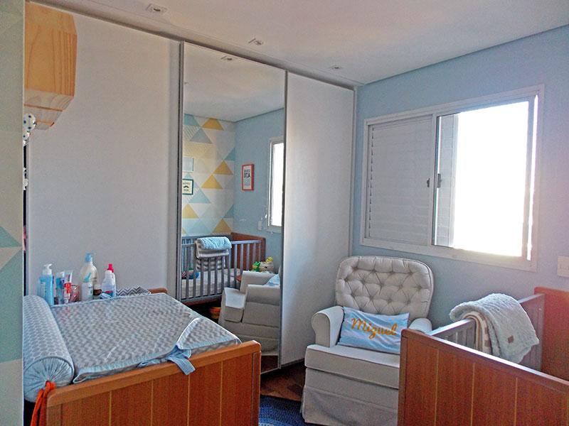 Ipiranga, Apartamento Padrão-2º Quarto com piso de tecão, teto com sanca, iluminação embutida e armários planejados.