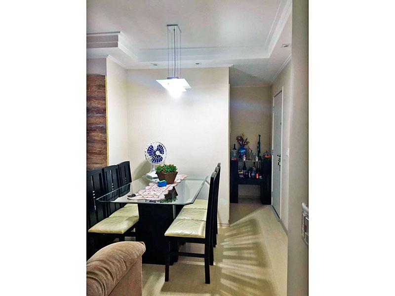 Sacomã, Apartamento Padrão-Sala em L com piso laminado, teto com sanca de gesso, iluminação embutida e acesso a varanda.