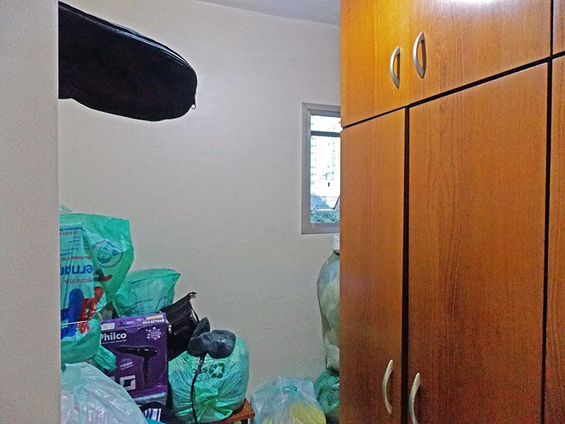 Ipiranga, Apartamento Padrão-3º Opcional com piso de cerâmica e armários planejados.