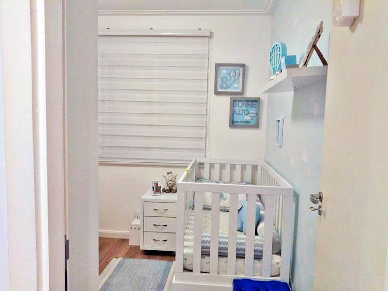 Sacomã, Apartamento Padrão-2º Quarto com piso de madeira, teto com moldura de gesso e armários planejados.