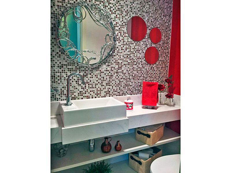 Ipiranga, Apartamento Padrão-Lavabo com piso de cerâmica e pia sobreposta.