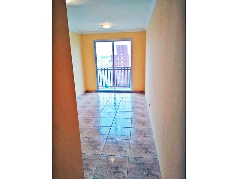 Sacomã, Apartamento Padrão - Sala com piso de cerâmica, teto com moldura de gesso e acesso a varanda.