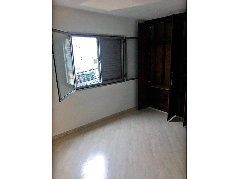 Jabaquara, Apartamento Padrão-1º Quarto com piso laminado e armários planejados.