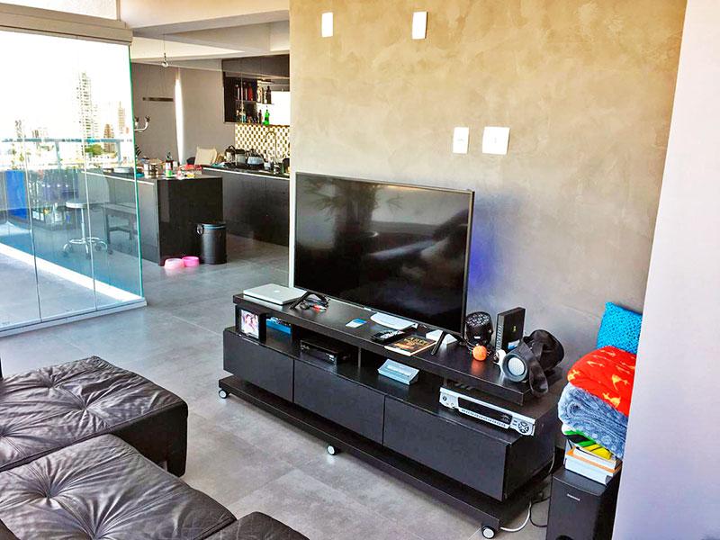 Ipiranga, Apartamento Penthouse - Sala com piso de cerâmica, fechamento de vidro e acesso a varanda.