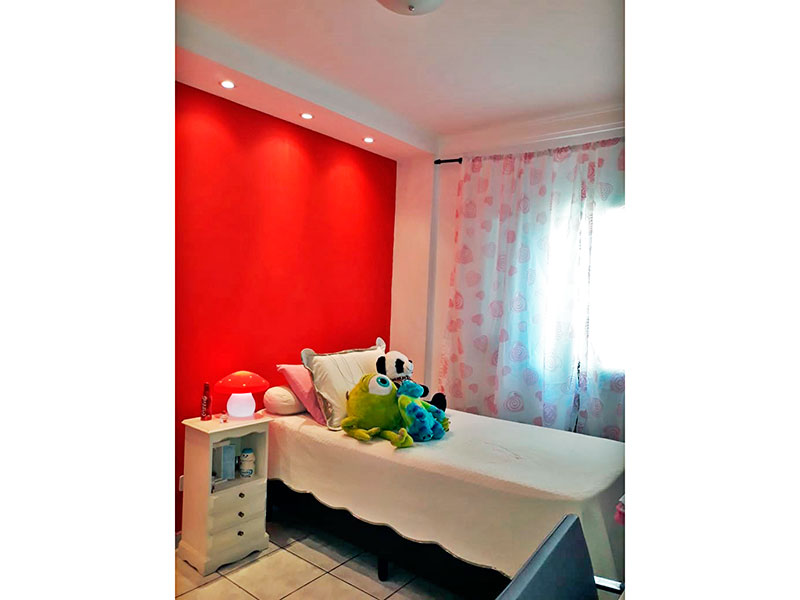 Jabaquara, Apartamento Padrão - 2º Quarto com piso de cerâmica, iluminação embutida e armários planejados.
