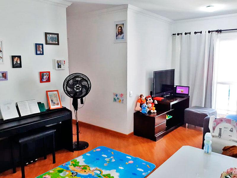 Ipiranga, Apartamento Padrão-Sala em L com piso laminado, teto com moldura de gesso e acesso a varanda.