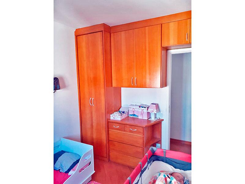 Ipiranga, Apartamento Padrão-2º Quarto com piso laminado e armários planejados.