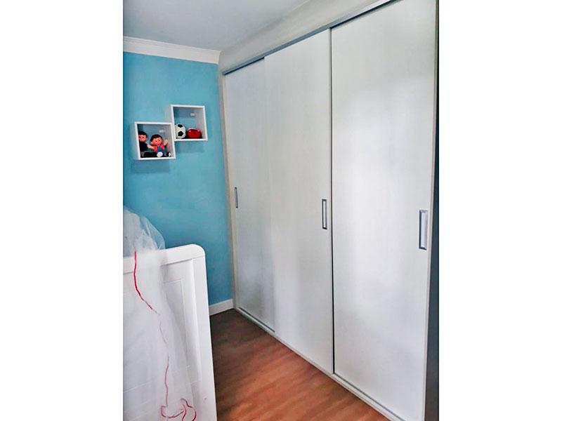 Sacomã, Apartamento Padrão-3º Quarto com piso laminado, teto com moldura de gesso e armários planejados.