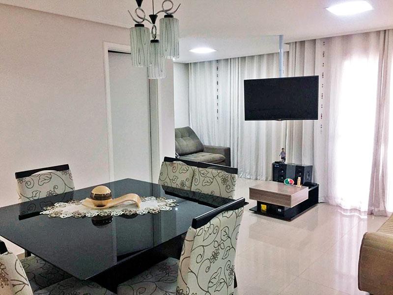 Sacomã, Apartamento Padrão-Sala ampliada (com 3º quarto), com piso de porcelanato, teto com sanca, iluminação embutida e acesso a varanda gourmet.