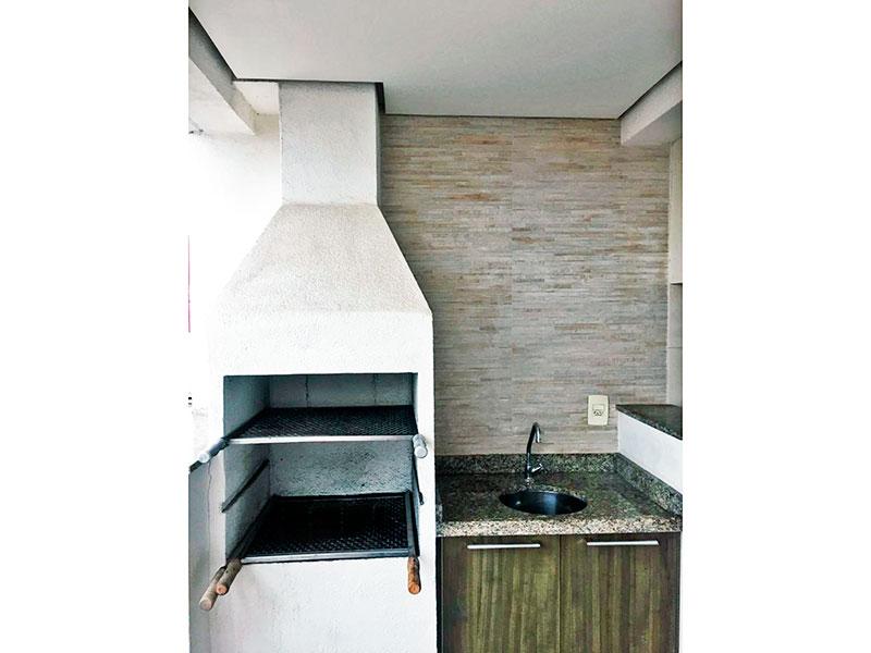Sacomã, Apartamento Padrão-Varanda gourmet com piso de cerâmica, teto com sanca, gabinete, pia de granito e churrasqueira.