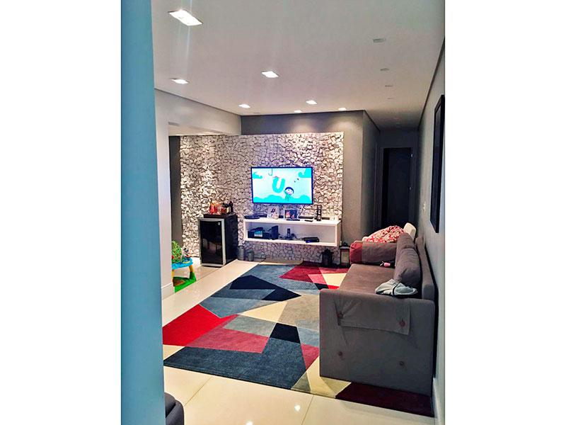Ipiranga, Apartamento Padrão - Sala ampliada (com 3º quarto), com piso de porcelanato, teto com sanca, iluminação embutida e acesso a varanda gourmet.