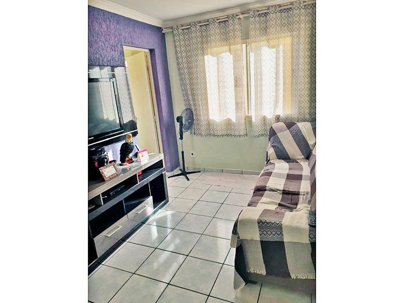 Ipiranga, Apartamento Padrão - Sala com piso de cerâmica e teto com moldura de gesso.
